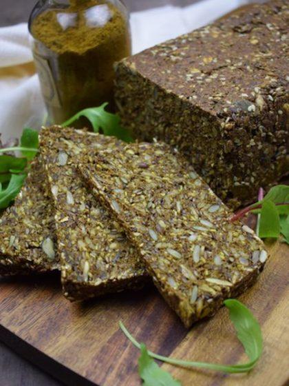 Gebakken brood van Noets 12 kruiden koolhydraatarme Vezelbroodmix